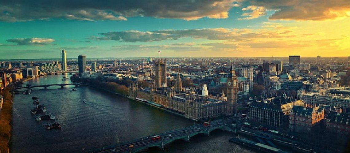 להשקיע בבריטניה